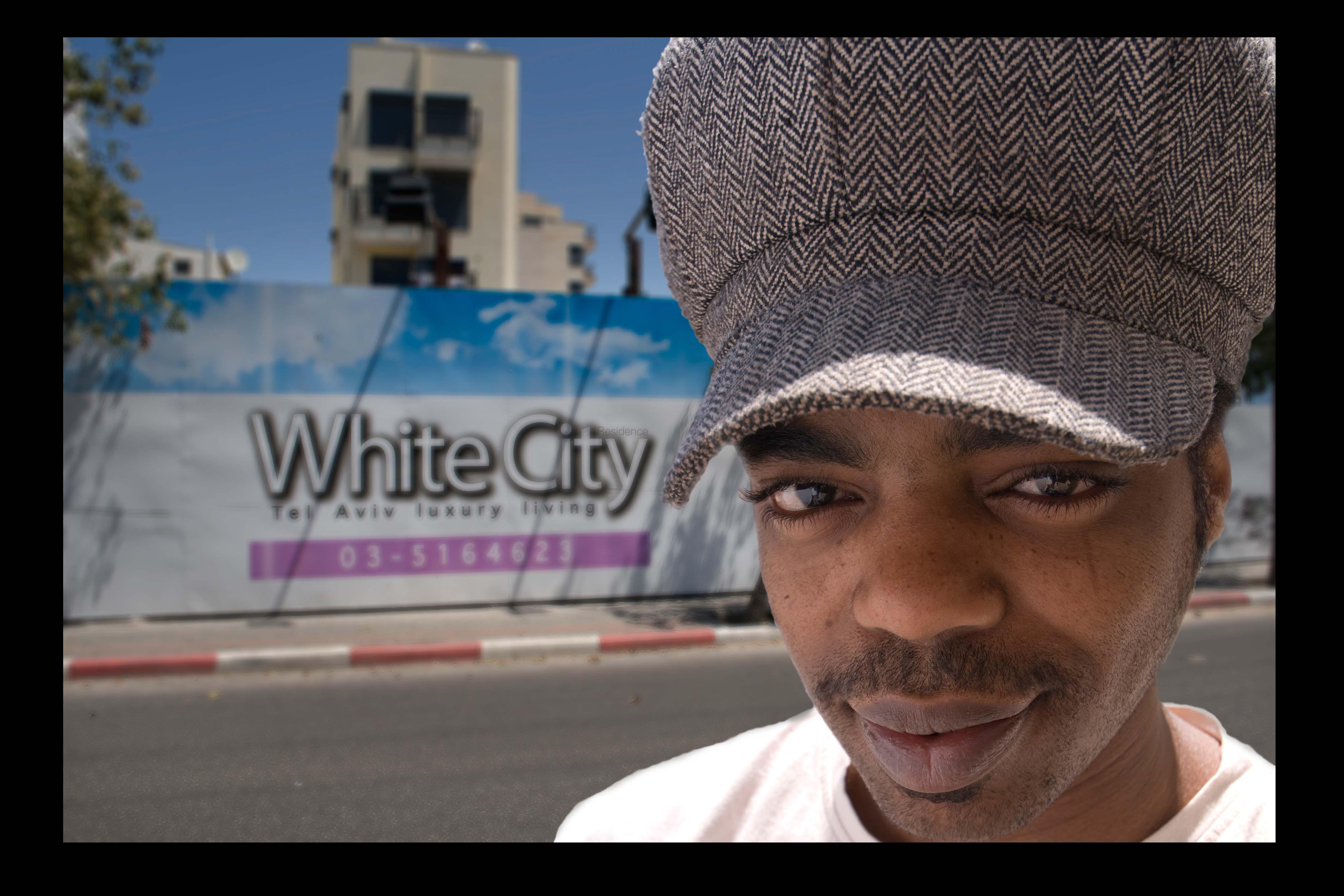 giga-white-city-12x18