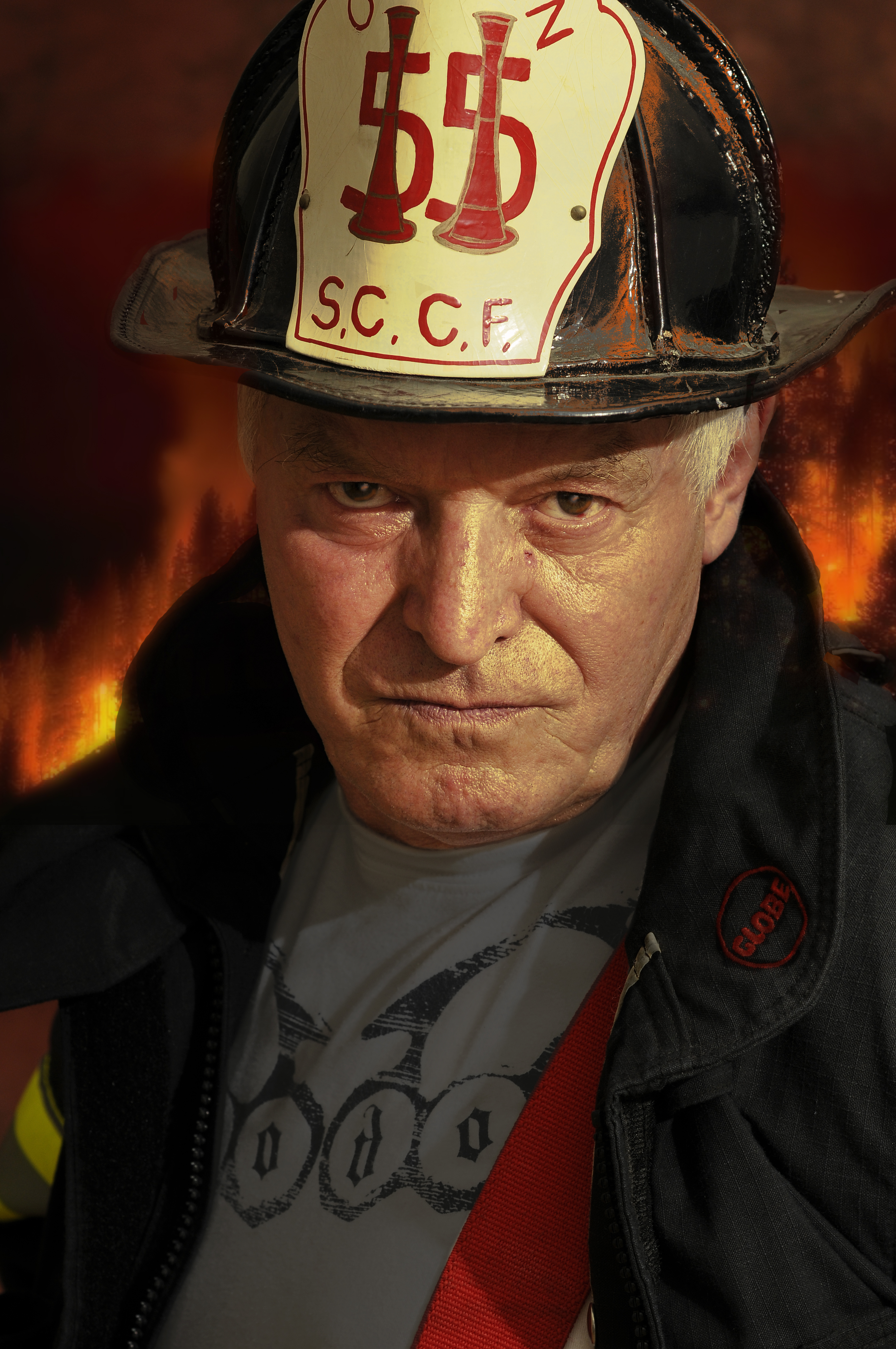 _d301897-fire-chief-at-scene