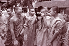 monks-with-nikon