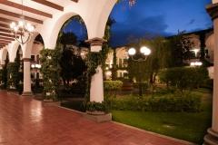 courtyard-lo-angle-307943