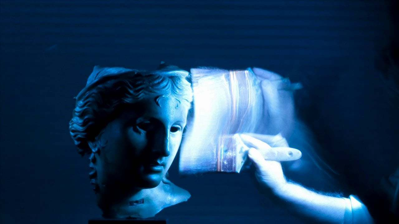 Light painting statue - Vimeo thumbnail